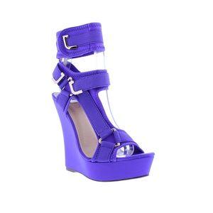 baa07a9dd3e Shoes - EYE CATCHING WEDGES